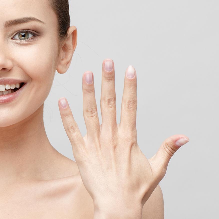 Fuß- undHandbehandlungen im Kosmetikstudio, Gioia Schuster