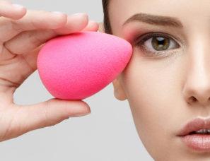 Make Ups im Kosmetikstudio, Gioia Schuster